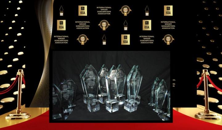 AwardsCystalwithBanner